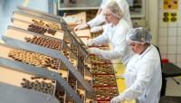 Anglia praca na produkcji dla par bez języka przy pakowaniu słodyczy Leeds
